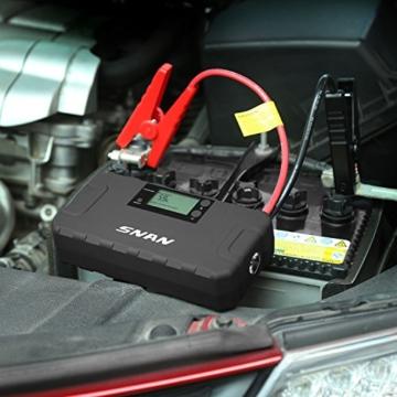 SNAN Auto Starthilfe, 500A Spitzenstrom 16000mAh Akku Ladegerät Akku Jump Starter mit Eingebauten Schutzfunktionen, Dual USB Anschlüsse, LCD Display und LED Taschenlampe (Schwarz) -